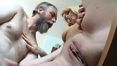 Aged man gets his old dick wet by fucking a younger playgirl