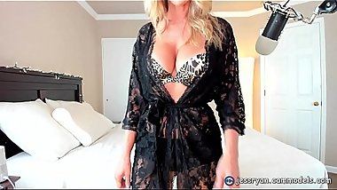 Milf On Cam Teasing And Flashing