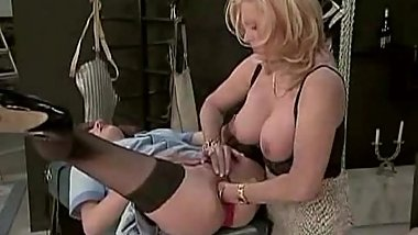 Two horny chicks fisting on gyno table