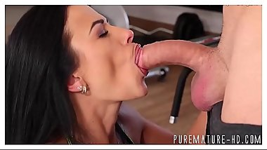 Cock sucking mature slut gets tongued