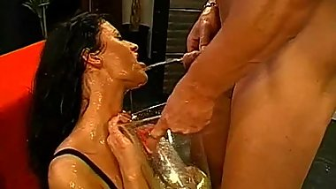 Cumshots on babe'_s gorgeous face