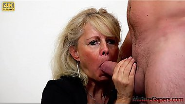 Horny granny gets her pussy gaped and fucked hard in 4K - MatureGapers.com