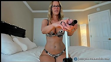 PAWG Milf Stripping and Twerking That Ass On Cam